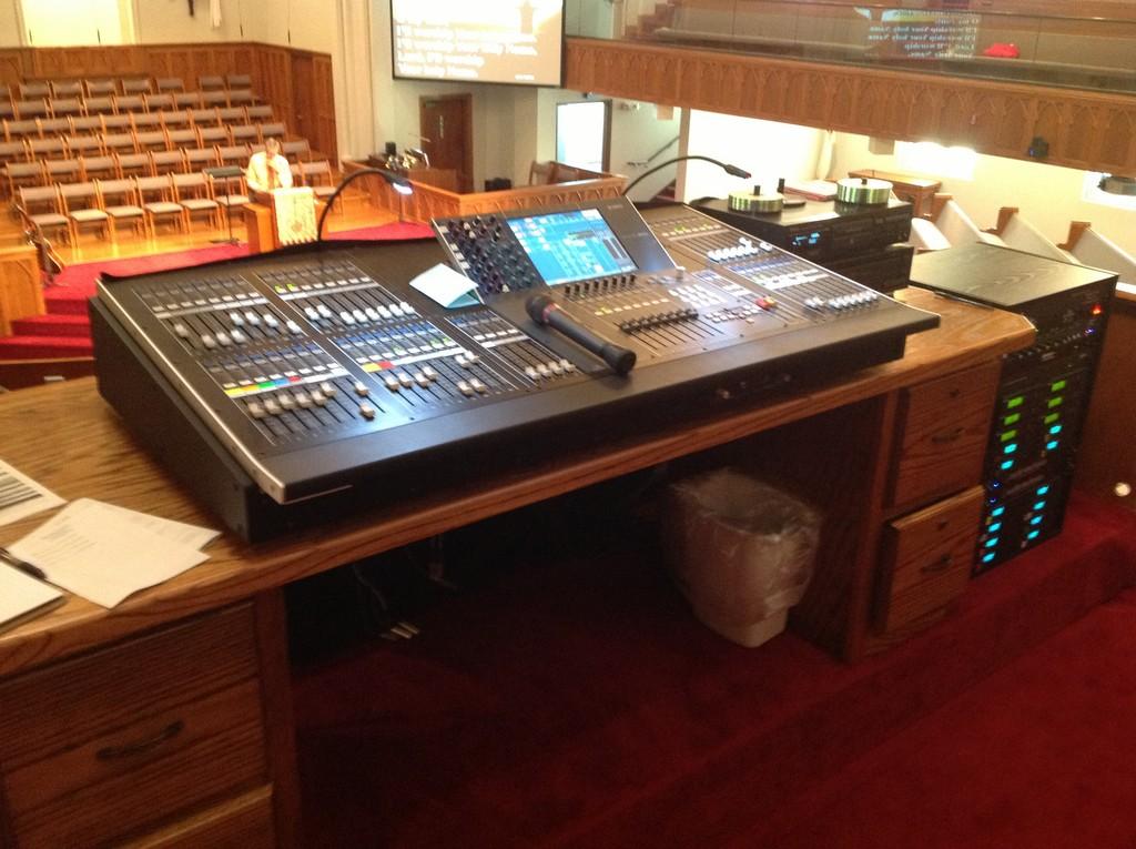First Baptist Church, Lexington, TN