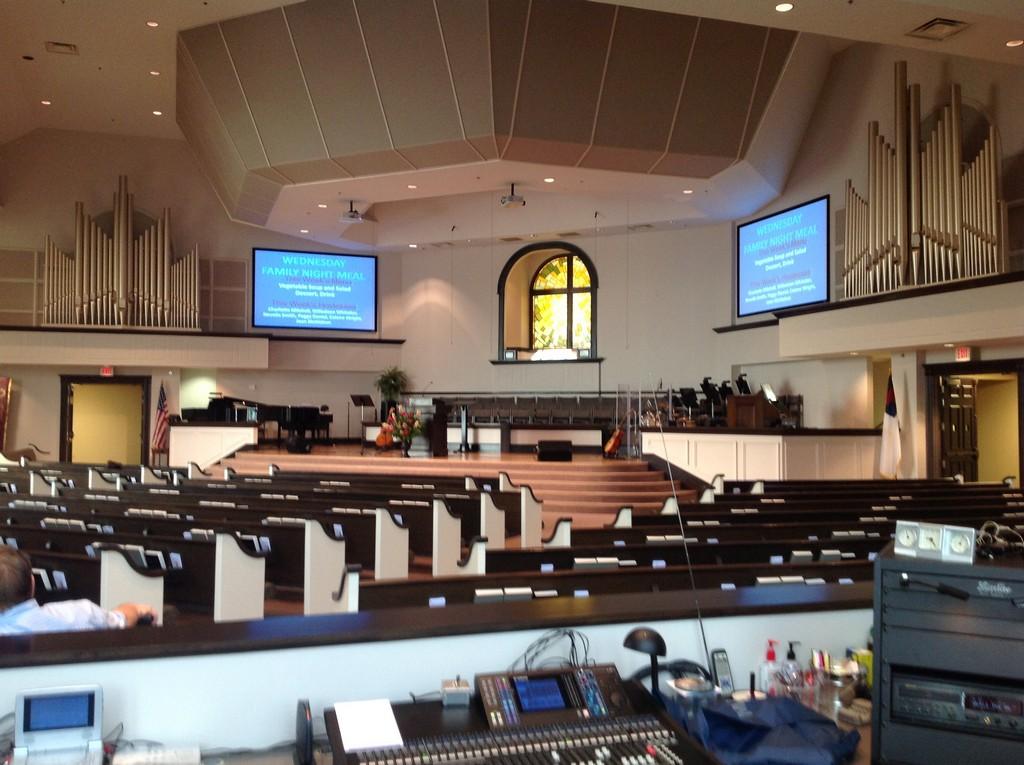 First Baptist Church, Selmer, TN